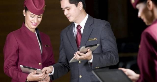 Praca stewardessa. Zdjęcie do Qatar Airways. Qatar Airways Cabin Crew Recruitment Event - zdjęcia do rekrutacji Cabin Crew - zdjęcie całej sylwetki, zdjęcie full body, rekrutacja Qatar Airways, Cabin Crew Warszawa, rekrutacja Qatar Airways w Polsce