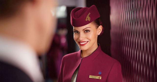 Jak zostać stewardessą LOT, Emirates, Ryanair? Co zrobić, aby zostać stewardessą w Polsce? Czy warto zostać stewardessą Emirates? Jak zostać stewardessą Wizzair, EasyJet czy Norwegian? Artykuł o tym, jak zostać stewardessą w liniach lotniczych.